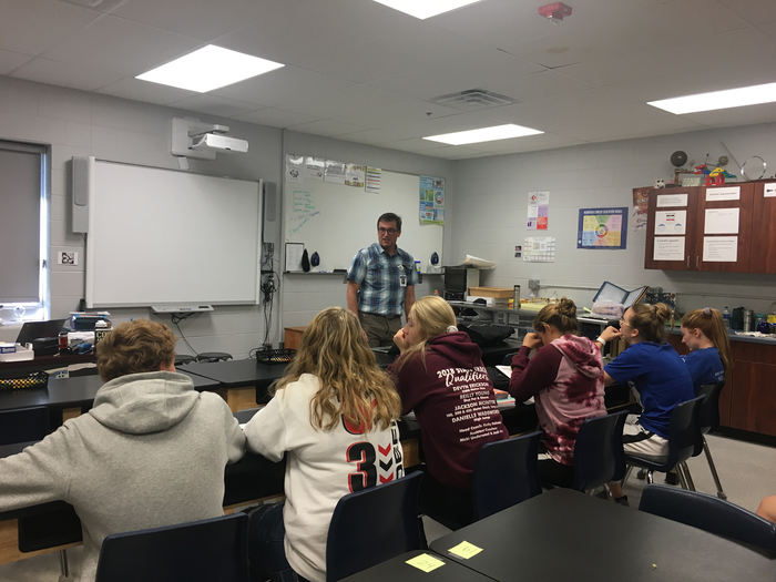Jim Coover, Pharmacist from HCMC visits with Health Science students!